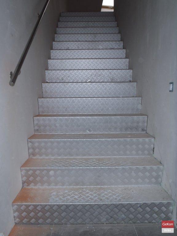 Trappen realisaties - Ontwerp betonnen trap ...